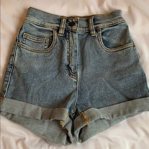 Aritzia/Wilfred Free denim high waist shorts 00 xs
